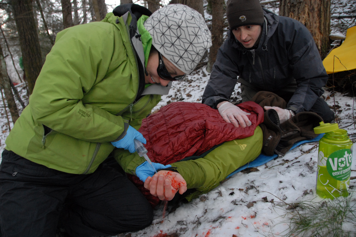 What to Pack in your Wilderness First Aid Kit